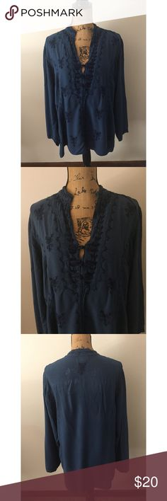 Soft Surroundings Long Sleeve Embroidered Top Measurements - Bust 21in (42) Length 27in Has two intentional slits on each side. Has a small hole on the back as shown otherwise in fantastic condition! 💕 Super soft material. Soft Surroundings Tops