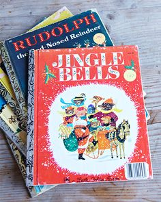 Make your childhood memories into ornaments with Sweet Paul! You will need: vintage children's holiday books cardstock paper glue scissors string What else? Please, read more on Sweet Paul Ma… Vintage Christmas Ornaments, Retro Christmas, Vintage Holiday, Christmas Decorations, White Christmas, Vintage Santas, Vintage Christmas Images, Vintage Witch, Victorian Christmas