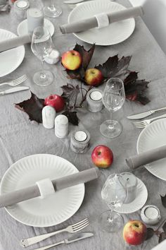 """Le Frufrù: Tavola autunnale. Gray makes this totally modern, not """"country"""". Simple, random, elegant."""