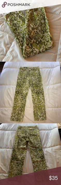 "NWOT Jones NY Pattern Capri NEW! Stretchy and comfortable capris with white and various shades of green. Includes button and zipper closure, 3 front pockets and 2 back pockets. Made of 98% cotton and 2% spandex. Inseam: 25"". Bundle with other items in my closet and save! Jones New York Jeans Straight Leg"
