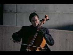 Yo-Yo Ma plays the prelude from Bach´s Cello Suite No. 1