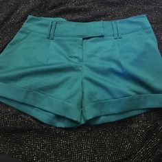 Papaya Green shorts Size M/L business like shorts Papaya Shorts