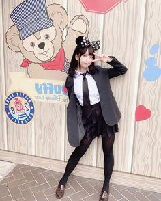 Asian Girl in white shirt & black dress in black pantyhose Preety Girls, Cute Girls, Real Yami, Girls In Mini Skirts, Cute Girl Photo, Japan Girl, Asia Girl, Poses, Duffy
