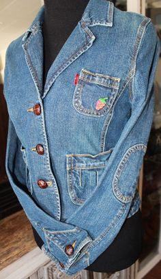 Levis Blue Denim Vintage Jean Crop Jacket Leather Buttons Strawberry Women Small #Levis #JeanJacket