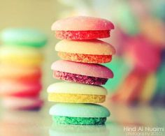 Lovely colors on this tower of macaroons! Macaroons, Delicious Food Image, Yummy Food, Cute Food, Good Food, Yummy Treats, Sweet Treats, Colorful Desserts, Colorful Food