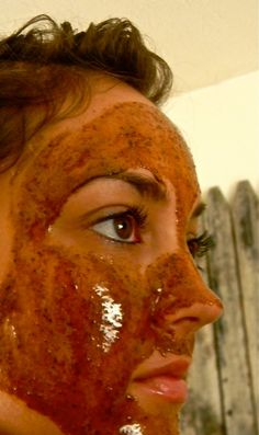 Amazing Miracle Mask You Can Make at Home - If your skin is stressed out, you will begin to notice that it looks tired and maybe even a bit red and puffy. A great way to relax stressed skin and give it a healthier glow is to use a mask that is designed to release stress and reduce swelling.