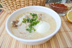 Arroz Caldo is a Filipino style congee recipe in which rice and chicken are boiled in a large amount of water until the rice softens significantly. Filipino Dishes, Filipino Recipes, Filipino Food, Chicken Arroz Caldo, Chicken Soup, Caldo Recipe, Ono Kine Recipes, Heritage Recipe, Pinoy Food