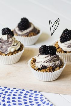 Raw Blackberry Cupcakes | TGH Magazine