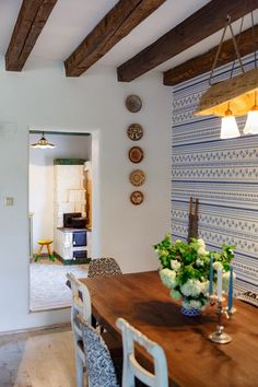 In vizita la Alina, Marius si Micha Traditional Interior, Traditional House, Traditional Design, Home Decoration Images, Glass House Design, Best Modern House Design, New Home Designs, Design Case, House Colors