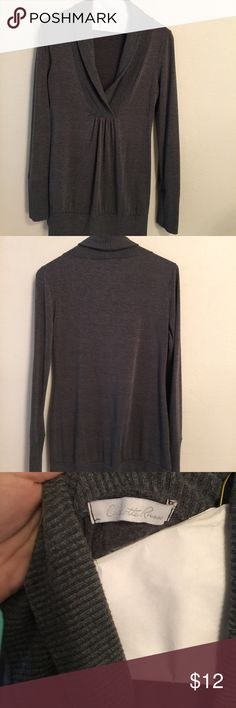 Gray long sleeve dress top Gray long sleeve dress top feels like sweater but light and breathable and great condition! Charlotte Russe Sweaters V-Necks