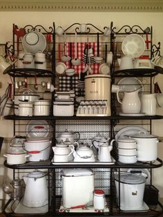 More enamelware, looks so amazing on that shelf.