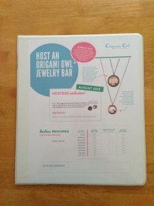 Quick photo tutorial on how to create your own Lap Boards for your Origami Owl Jewelry Bars and Events.