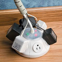 6 Outlet UFO Surge Protector