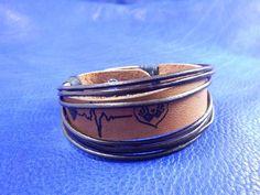 Leather bracelet with secret engraved message leather #leatherbracelet #leathercuff #engravedbracelet #personalizedbracelet #handmade #кожаныйбраслет #браслетизкожи #ручнаяработа  #rozabracelets