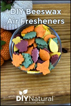 Beeswax Air Freshener: DIY Fall Scented Beeswax Air Fresheners - Home Cleaning Products Beeswax Candles, Diy Candles, Beeswax Recipes, Essential Oil Candles, Essential Oils, Bee Crafts, Fall Scents, Diy Holz, Natural Cleaning Products
