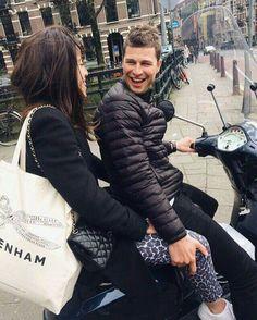 Sven Kramer met zijn vriendin Naomi van As.