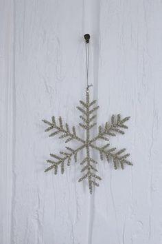 Snöflingor med pärlor set om tre