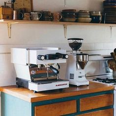 Dream Home Espresso Set Up | Shop Automatic Grinders Online Link in Bio by @lamarzoccohomeau #blackcoffee #aeropress #pourover #chemex #hario #espresso #specialtycoffee #melbournecoffee #brisbanecoffee #coffeesesh #cafe #sydneycoffee #coffeebean #brisbane #coffeeculture #coffeegeek#coffeemachine#kalita#melbourne#manmakecoffee#coffeeshots#sydneycafe#coffeeporn#coffeeshop#coffeeaddict#melbournecafe#coffeegeek#frenchpress#latte#barista#alternativebrewing