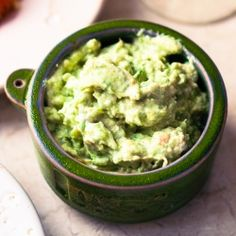 Greek Avocado Tzatziki (Greek yogurt, cucumber & garlic dip). Healthy & creamy!