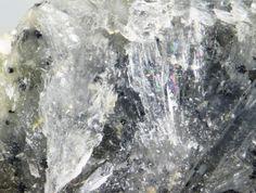 Vimsite. Solongo, Buryatia, Eastern Siberia, Russie Taille=7 x 8 x 6 mm Photo e-Rocks