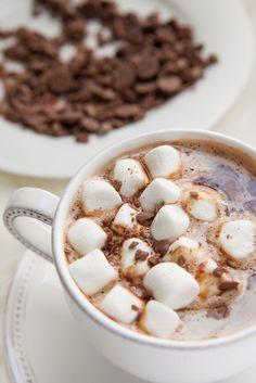 Consiéntete con un delicioso latte con chocolate y menta. ¡Un sabor que te encantará! Da click en la imagen y checa la receta.