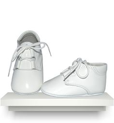 Spanish baby clothes | baby shoes | White patent leather boots |babymaC  - 1 Baby Boy Shoes, Kid Shoes, Spanish Baby Clothes, Christening Shoes, Kids Footwear, Patent Leather Boots, Unique Baby, Baby Shower Gifts, Sneakers