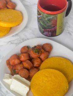 Stewed sausages are part of a great Panamanian breakfast, full of flavor. I invite you to try out! Panama Recipe, Panamanian Food, Guisado, Corn Cakes, Spanish Dishes, Island Food, American Food, Pretzel Bites, Onions