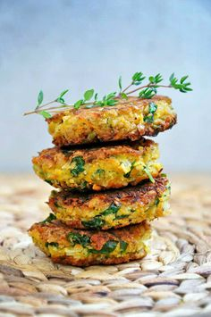 Best vegan and healthy falafel recipe, without deep frying and with lots of fresh parsley!.jpg