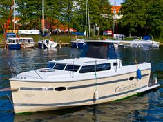 Horyzont Mazury Czarter Jachtów - Calipso 750 2013 Yachts, Vacations, Boats, Vehicles, Calypso Music, Vacation, Ships, Boating, Holidays
