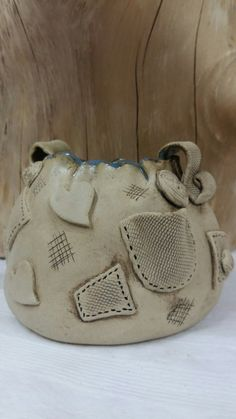 Slab Pottery, Pottery Wheel, Pottery Vase, Ceramic Shoes, Ceramic Art, Pottery Animals, Fire Clay, Vases, Cement Crafts