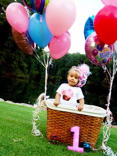 1st birthday photoshoot! shes one years old finally! photoshoot idea!