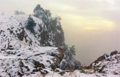 category Winter photos http://earth66.com/winter/snow-covered-petri-crimean-mountains-ukraine/