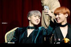 Jimin and J-Hope ❤ BTS at the Synnara Fansign #BTS #방탄소년단