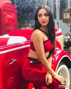 These sexy Kiara Advani boobs pictures will bring a big grin on your face. We have seen Kiara Advani boobs […] Beautiful Bollywood Actress, Beautiful Indian Actress, Beautiful Women, Beautiful Gorgeous, Gorgeous Makeup, Beautiful Actresses, Indian Bollywood, Bollywood Fashion, Bollywood Makeup