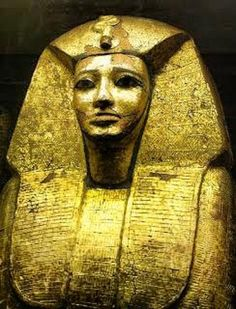 "The gold coffin lid of Sehertawy Intef I, found accidentally in 1827 by two Egyptian men. From the 11th dynasty and the first to incorporate Horus into his name. His sarcophagus bore the name "" Intef I, king of the two egypts"" ."