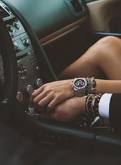 Discover the luxury goals and dream life clicking on the photo. Inspirations and ideas about luxury life. Photo Couple, Love Couple, Couple In Car, Night Couple, Perfect Couple, Couple Goals Tumblr, Miss Dior, Couple Pictures, Couple Photography