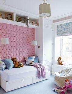 65 идей оформления стен в детской комнате http://happymodern.ru/oformlenie-sten-v-detskojj-komnate/ Комната для девочки с мягкой нежно розовой стеной Смотри больше http://happymodern.ru/oformlenie-sten-v-detskojj-komnate/
