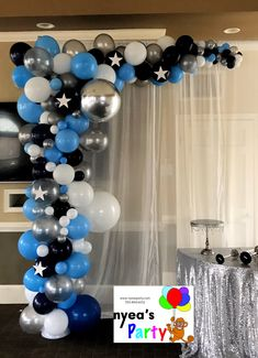 silver & blue organic arch for baby shower Silver Party Decorations, 50th Birthday Decorations, Balloon Decorations, Balloon Ideas, Balloon Tower, Ballon Arch, Balloon Garland, Cute Baby Shower Ideas, Boy Baby Shower Themes