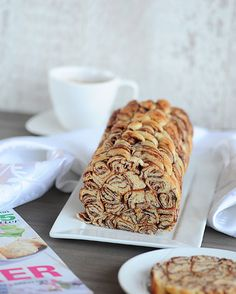 Sweet or salty roll! Sweets Recipes, Brownie Recipes, Easy Desserts, Baking Recipes, Greek Sweets, Nutella Cake, Chocolate Roll, Greek Dishes, Sweet Pie