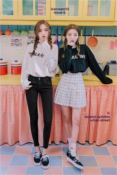 Korean Fashion Trends you can Steal – Designer Fashion Tips Korean Girl Fashion, Korean Fashion Trends, Korean Street Fashion, Ulzzang Fashion, Korea Fashion, Kpop Fashion, Japanese Fashion, Cute Fashion, Asian Fashion