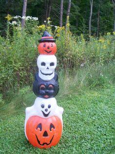 STACKING HALLOWEEN BLOW MOLD Halloween Blow Molds, Halloween Items, Spirit Halloween, Halloween Stuff, Holidays Halloween, Vintage Halloween, Halloween Crafts, Happy Halloween, Halloween Decorations