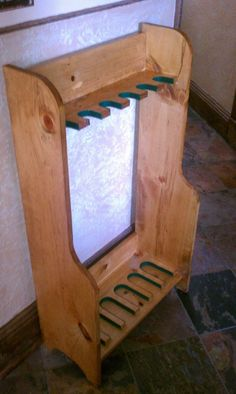 Gun rack made from old pallet
