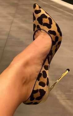 Trendy High Heels For Ladies : Picture DescriptionMyFavFeet Pretty Shoes, Beautiful Shoes, Cute Shoes, Me Too Shoes, Stilettos, Pumps, Hot Heels, Sexy Heels, Talons Sexy