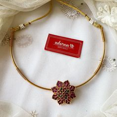 Pearl Necklace Designs, Jewelry Design Earrings, Gold Jewellery Design, Gold Necklace, Gold Chain Design, Gold Jewelry Simple, South India, Neck Piece, Chocker
