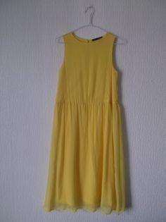 Robe jaune vaporeuse Primark
