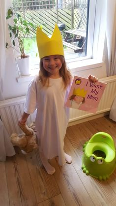 Quick and easy costume ideas for kids - Slade living Last Minute Costumes, Easy Costumes, Costume Ideas, White Rabbit Costumes, Oversized White T Shirt, Pom Pom Tutorial, Wheres Wally, World Book Day Costumes, How To Make Tutu