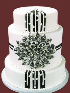 Cake Crafting� - Chic Black and White Fondant Flow