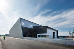 New warehouse for the Port of Aarhus and shipping company Samskip, by C.F. Møller Architects.