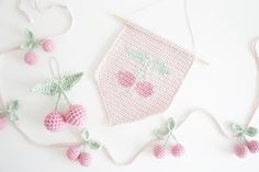 This Crochet Turtle Toy Free Pattern makes a cute and simple toy for small children to play with. Crochet Food, Love Crochet, Crochet Motif, Crochet For Kids, Crochet Doilies, Knit Crochet, Bunting Pattern, Crochet Bunting, Crochet Garland