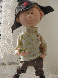 Авторские куклы Натальи Савиновой.Мальчик красноармеец любит сладкие бублики и зеленое яблочко.needle felting.